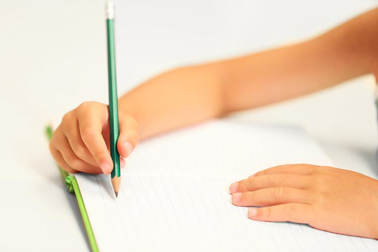 Обучение ребенка держать ручку